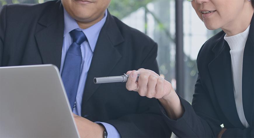 Virksomhetens ansatte diskuterer behovet for omstilling og restrukturering i bedriften