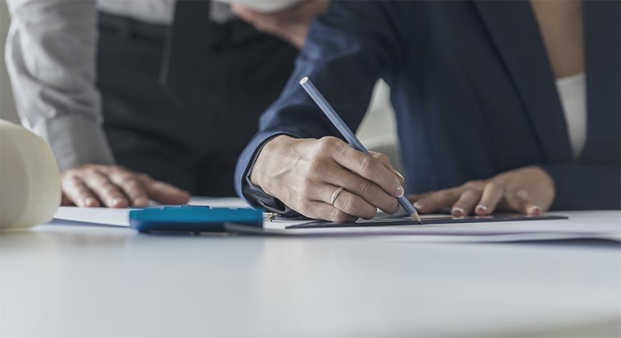 Sekretæren for styret har blant annet i å oppgave å notere alt som blir bestemt i styremøtene